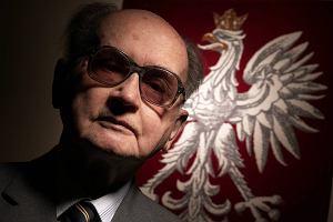 Błaszczak w okularach Jaruzelskiego