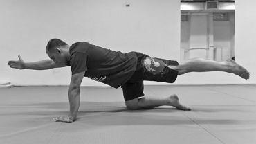ćwiczenia na płaski brzuch i mocne plecy