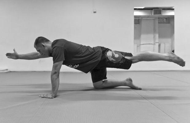 Ćwiczenia na płaski brzuch i zdrowe plecy