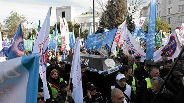 8 października 2015 r. - strajk służb mundurowych pod Sejmem