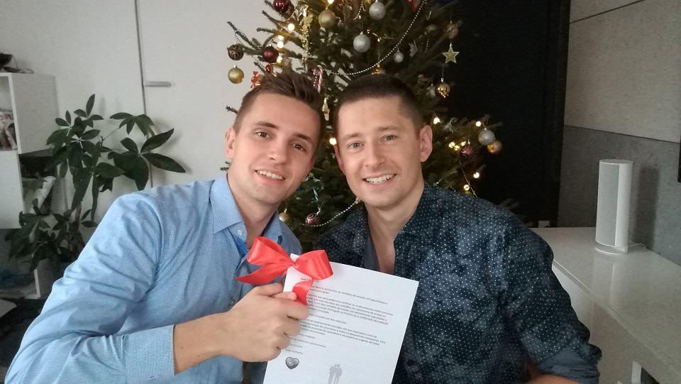 Para gejów z Polski dostała zgodę na ślub w Portugalii. Tamtejszy urząd zgodził się na to, choć nie mieli odpowiednich dokumentów