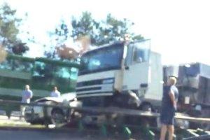 Karambol na obwodnicy Tr�jmiasta. Siedem pojazd�w, w tym ci�ar�wka [WIDEO]