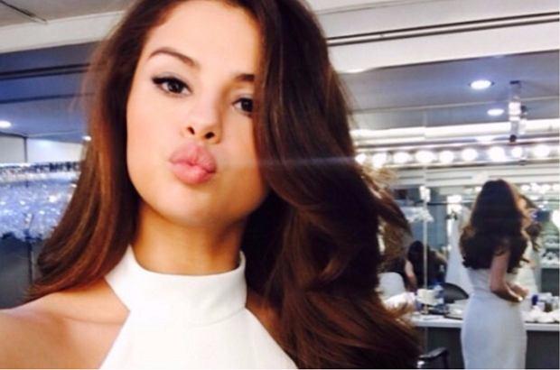 Selena Gomez ostatnio wpadła z wizytą do swojego starego domu w Teksasie, w którym mieszkała jako mała dziewczynka. Tą strasznie słodką chwilą, podzieliła się ze swoimi obserwatorami na Instagramie.