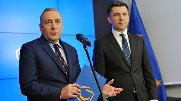 Szef PO Grzegorz Schetyna i Główny ekonomista PO Andrzej Rzońca podczas konferencji 'Diagnoza finansów publicznych'