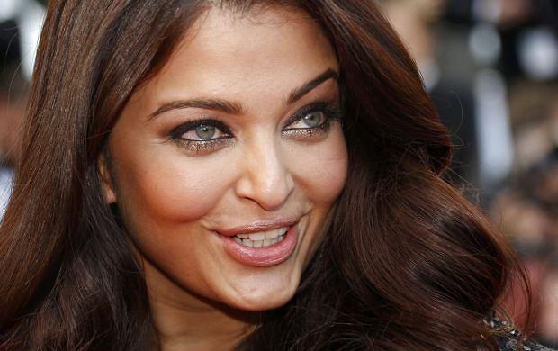 Aishwarya Rai, najpi�kniejsza kobieta �wiata i gwiazda Bollywood, pokaza�a swoj� c�rk�! Odziedziczy�a urod� po mamie?