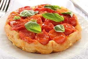 Tarta tatin z pomidorami i bazyli�