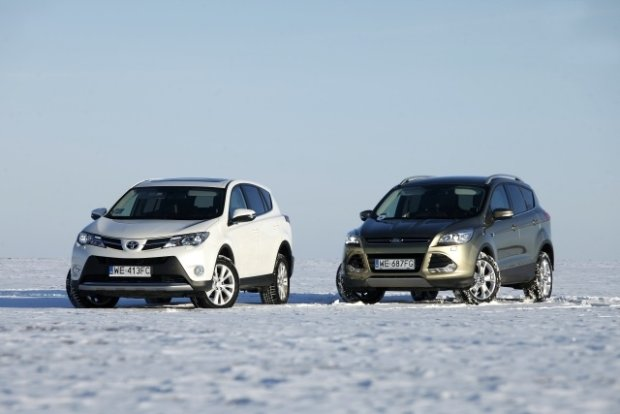 ford kuga vs rav4
