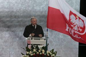 """Katastrofa smole�ska. Kaczy�ski dzi�kuje Rydzykowi i Macierewiczowi za """"pomoc w szukaniu prawdy"""""""