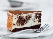 Sernik marmurkowy z czekoladą i na spodzie brownie - ugotuj