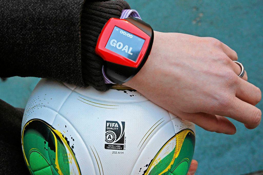 Technologia goal-line powiadamia sędziego, gdy piłka minie linię bramkową