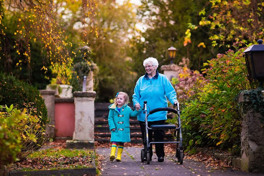 Dzieci, młodzież i seniorzy już nie będą mogli przebywać na jednej posesji - w ramach nowej ustawy o pomocy społecznej
