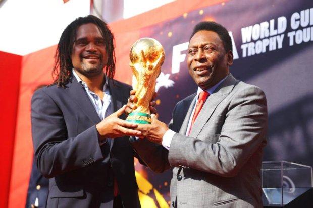 Christian Karembeu i Pele z Pucharem �wiata