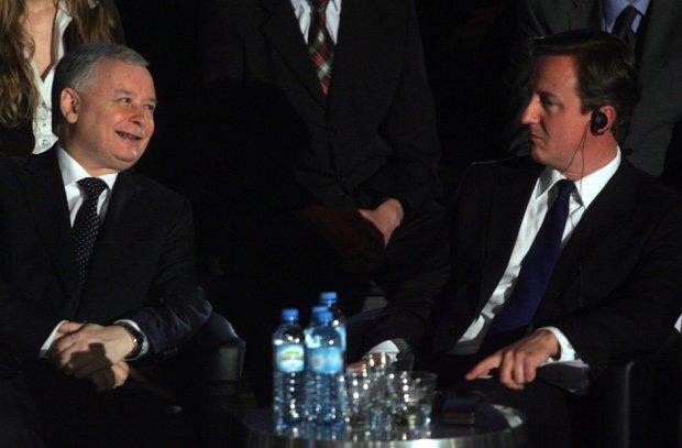 Jaros�aw Kaczy�ski i David Cameron w 2009 r.