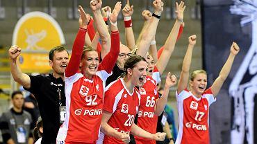 Radość Polek po meczu ze Szwecją