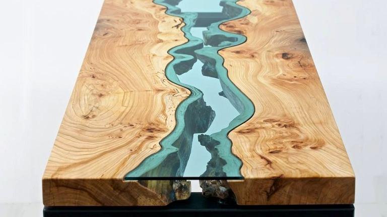 Niesamowite połączenie naturalnego drewna i szkła. Projekt: Greg Klassen Furniture Maker.