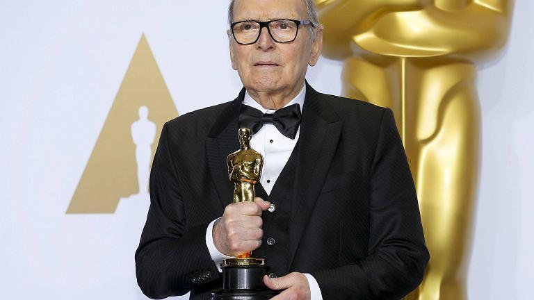 Ennio Morricone z Oscarem za ścieżkę dźwiękową do filmu