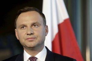 """""""Duda nie otwiera ust, by nie powoływać się na dziedzictwo L. Kaczyńskiego. Ale wbrew temu..."""""""