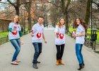 Polskie organizacje pobij� rekord Guinnessa? Musz� u�o�y� 76-kilometrowego w�a ze z�ot�wek