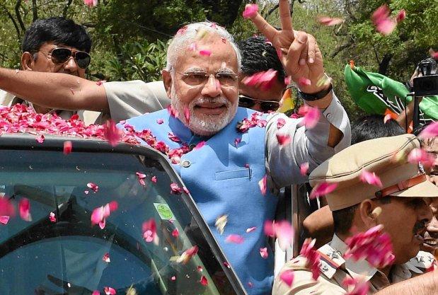 Indie skr�ci�y na prawo i wybra�y kapitalizm
