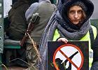 Wrocławianie w akcji. Poszli na spacer i zablokowali myśliwym polowanie [ZDJĘCIA]