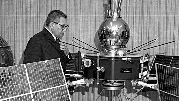 1972 r. Adam Giedrys w skarbcu sztucznych satelitów w USA