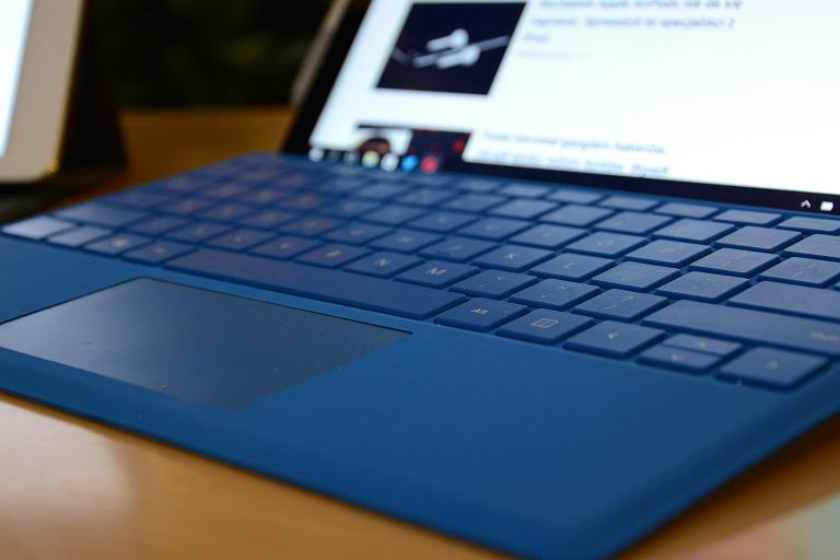 iPad Pro i Surface Pro 4