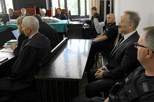 """Pani """"Słowikowa"""" wraz z siedmioma kompanami oskarżona o kierowanie gangiem"""