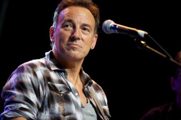 """Kilka dni po 67. urodzinach Bruce'a Springsteena, do sprzedaży trafi autobiografia artysty. Książka będzie nosić taki sam tytuł jak jedna z najsłynniejszych płyt Bossa - """"Born To Run""""."""
