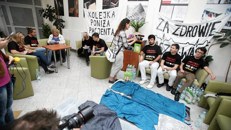 Protest głodowy lekarzy w szpitalu w Zdrojach