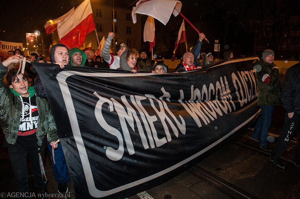 11 listopada. Marsz narodowców przeszedł przez Wrocław.