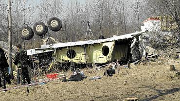 11.04.2010 ROSJA, SMOLEŃSK. MIEJSCE KATASTROFY POLSKIEGO SAMOLOTU PREZYDENTCKIEGO TU - 154 M W  LESIE NIEOPODAL LOTNISKA WOJSKOWEGO