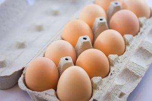 Najtańsze jajka znikną z półek. Duńczycy nie chcą kupować jaj z chowu klatkowego