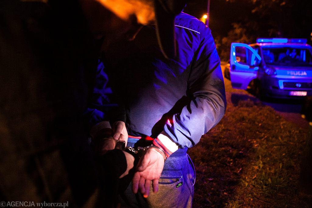 Policyjne zatrzymanie (zdjęcie ilustracyjne)