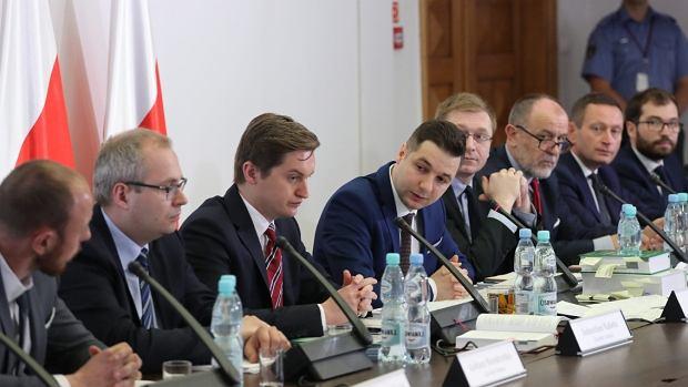 Komisja weryfikacyjna ds. prywatyzacji. Przewodniczącym komisji jest Patryk Jaki