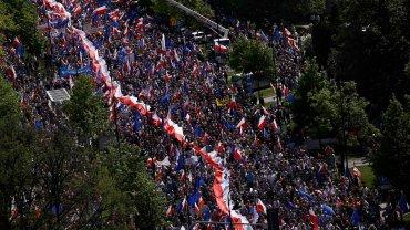 Marsz KOD i opozycji w Warszawie.