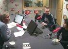 Jacek Żakowski i działacze partii Razem w studiu radia TOK FM