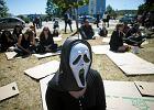 """Protest na Uniwersytecie Gda�skim. """"Jedyne, co mo�emy zrobi�, to pa�� i umrze�"""""""
