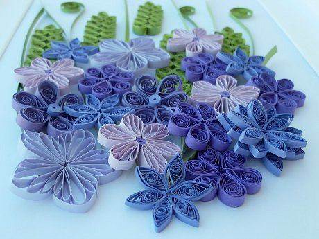 Kwiaty z papieru wykonane metodą quillingu