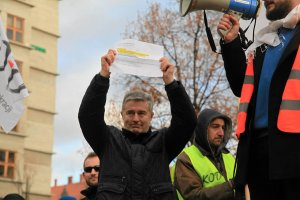 Maciejewska: Frasyniuk nie obrazi� prezydenta. Stwierdzi� fakt