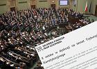 8 mitów w sporze o Trybunale Konstytucyjnym według Helsińskiej Fundacji Praw Człowieka