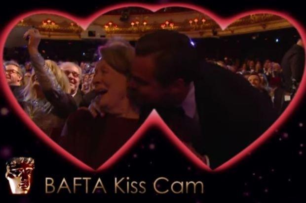 Leonardo DiCaprio ca�uje Maggie Smith