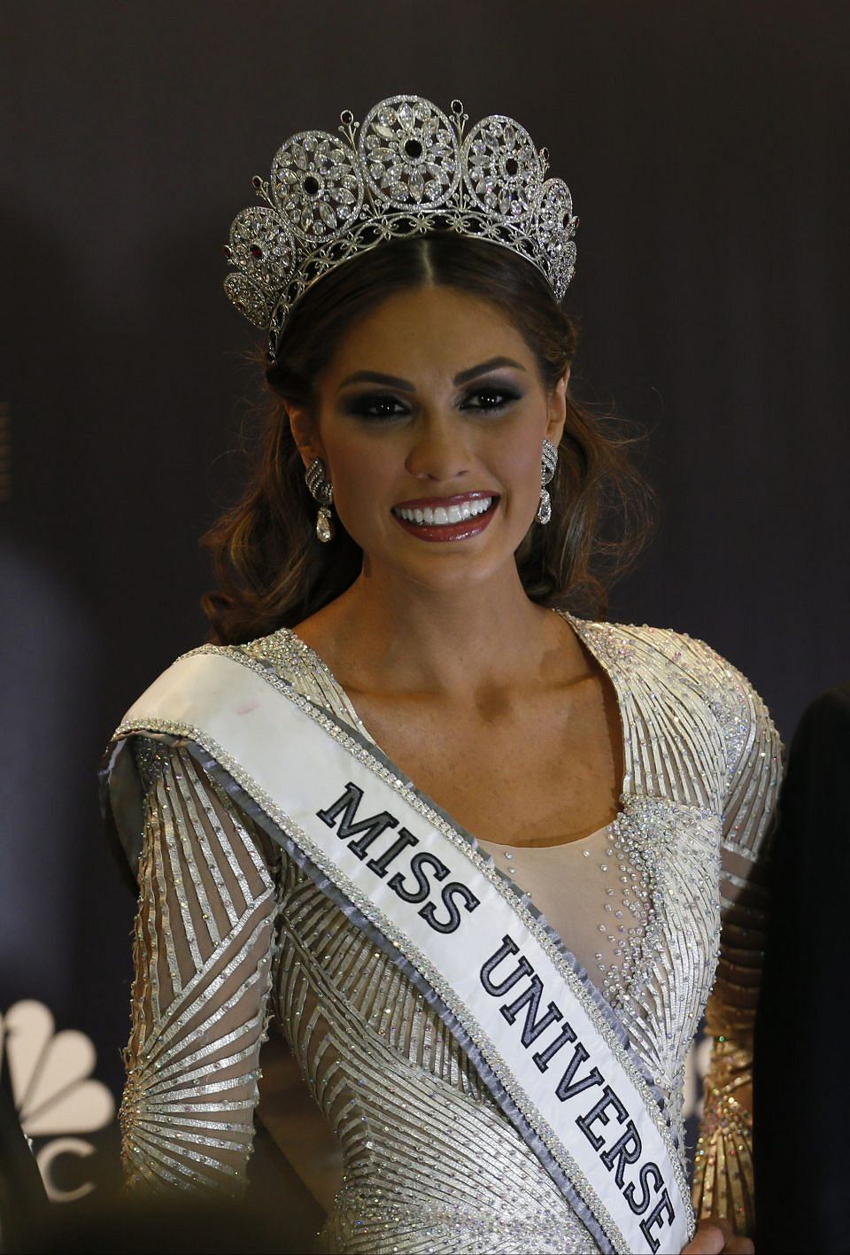 [Obrazek: z14925446V,Nowa-Miss-Universe-Gabriella-...-cerem.jpg]