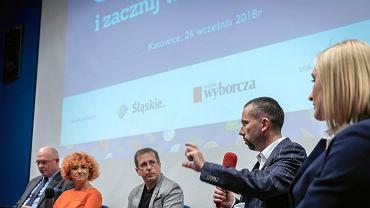 W podsumowującej akcję 'OdWAŻ się' debacie w Bibliotece Śląskiej, wzięli udział eksperci i uczniowie, a także pracownicy szkół
