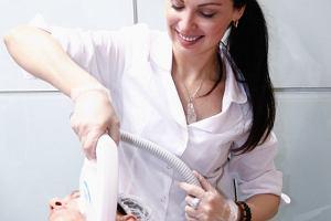Usuwanie blizn po trądziku, operacji czy oparzeniu, za pomocą lasera frakcyjnego