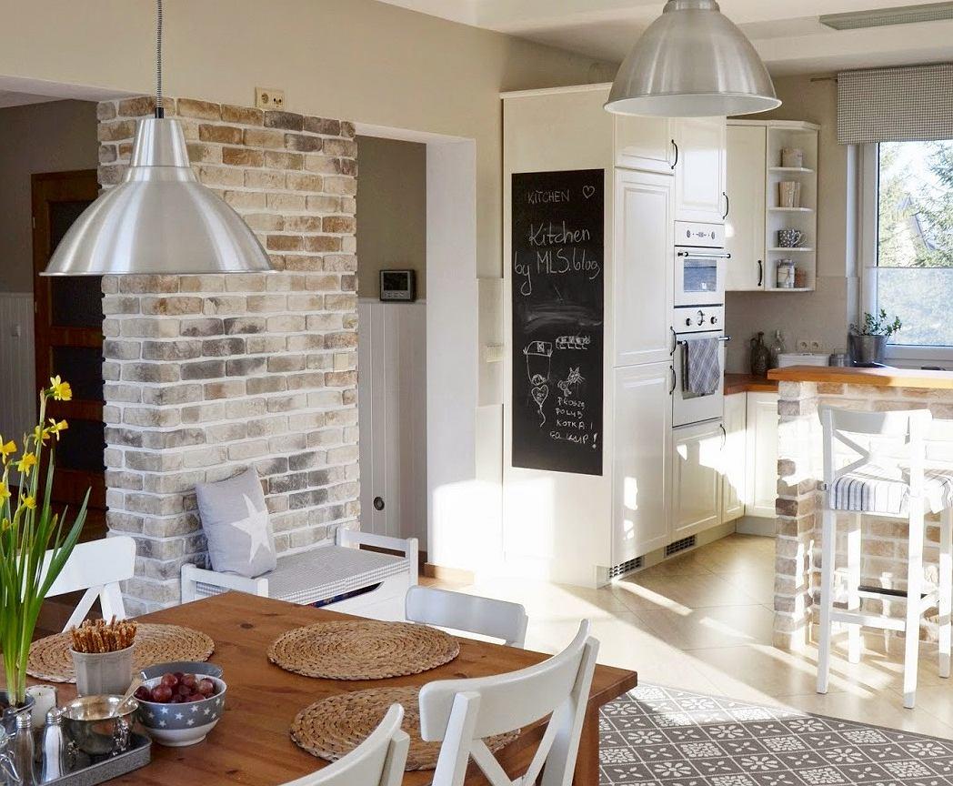 Kuchnia z jadalnią w stylu skandynawskim -> Kuchnia Na Poddaszu Aranżacja Wnetrza