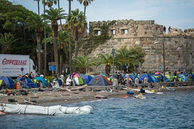 Namioty uchodźców na greckiej wyspie Kos, 28 września 2015