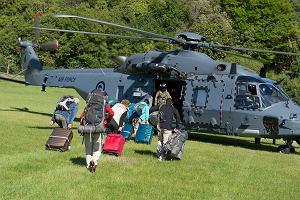 Nowa Zelandia po trzęsieniu ziemi. Śmigłowce wojskowe zaczęły ewakuować turystów