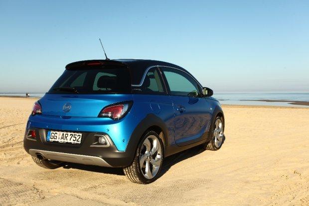Adam Rocks: mały Opel z jajami