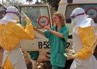 Gwinea. T�um zaatakowa� klinik�, w kt�rej le�� chorzy na ebol�. Oskar�aj� lekarzy o sprowadzenie wirusa