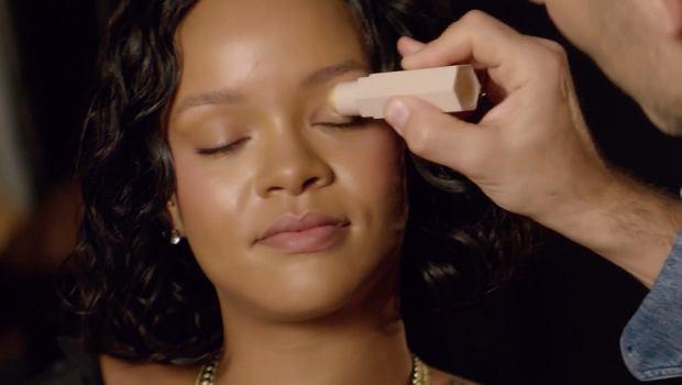 Zdjęcie numer 3 w galerii - Rihanna CAŁKOWICIE zmyła makijaż. Efekt powala! Odjęła sobie dobrych kilka lat